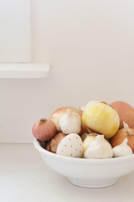 bit-and-bauble-easter-morning-indoor-scavenger-hunt-clues-eggs-ideas-4.jpg