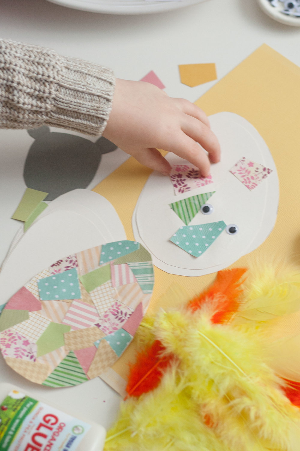 bit-and-bauble-easy-cheap-spring-easter-crafts-for-kids-toddlers-lamb-chick-egg-2.jpg