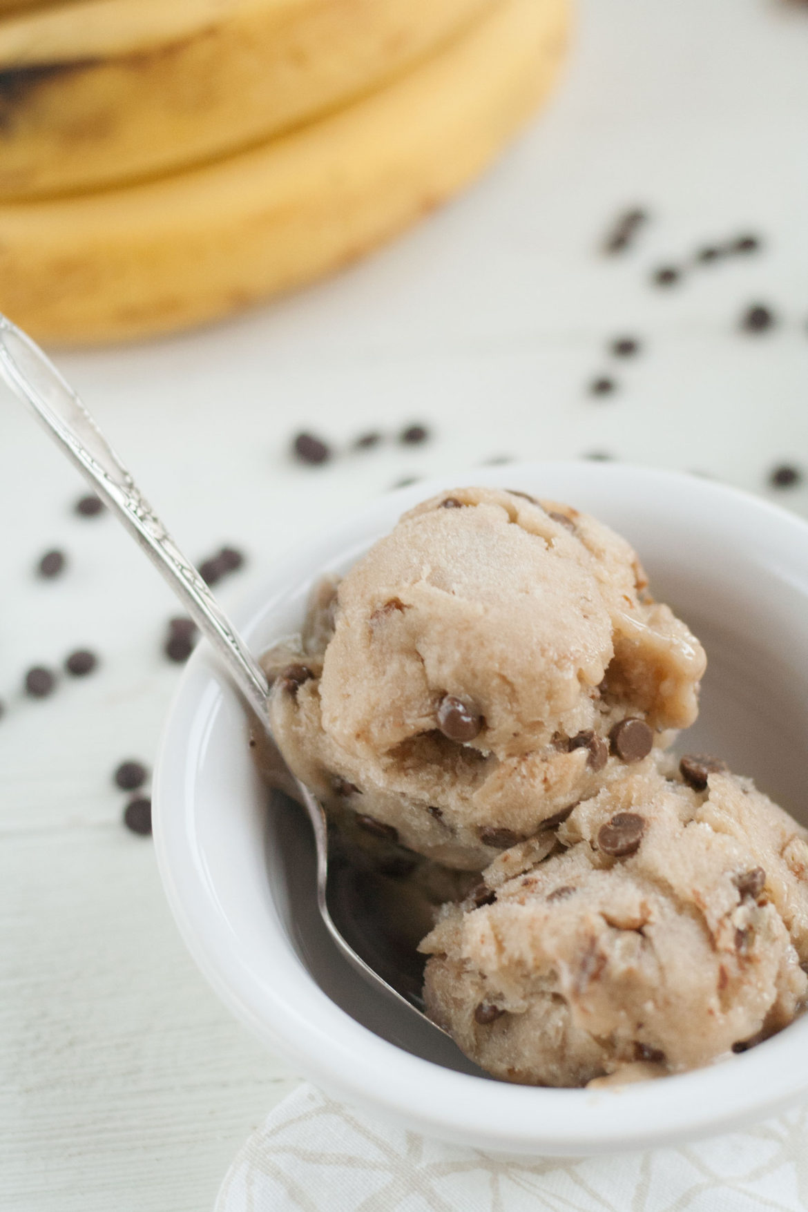 healthy no-churn frozen banana blender ice cream