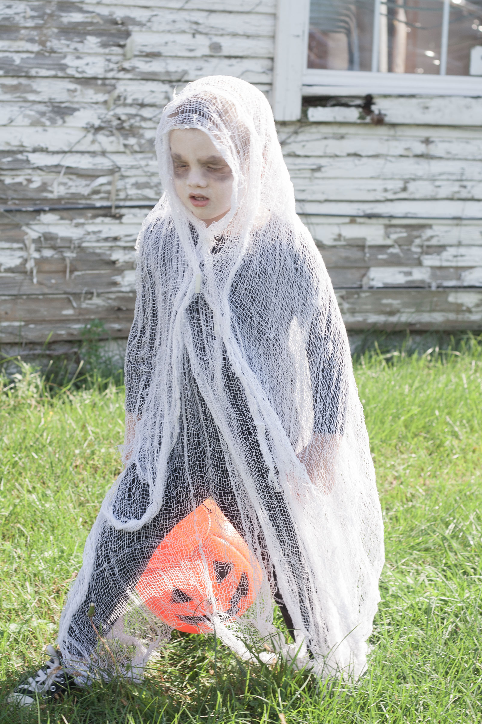 easy last minute scary kids ghost costume DIY