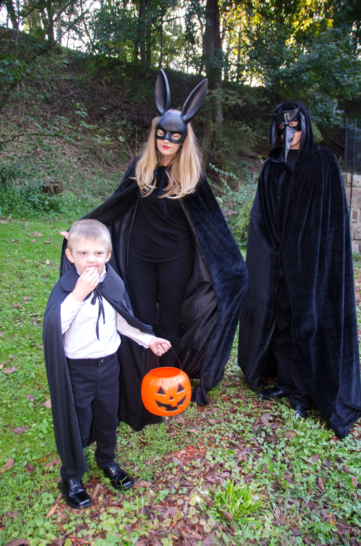 17 Black Cape Costume Ideas For The Whole Family Bit Bauble